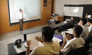Demanda de docentes fuera de espa a profesores en el for Profesores en el extranjero